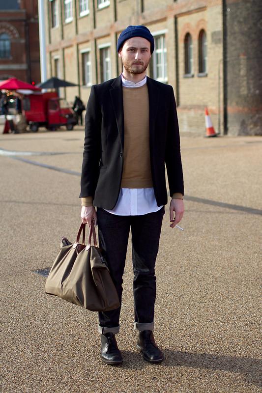 мужская рубашка под свитером