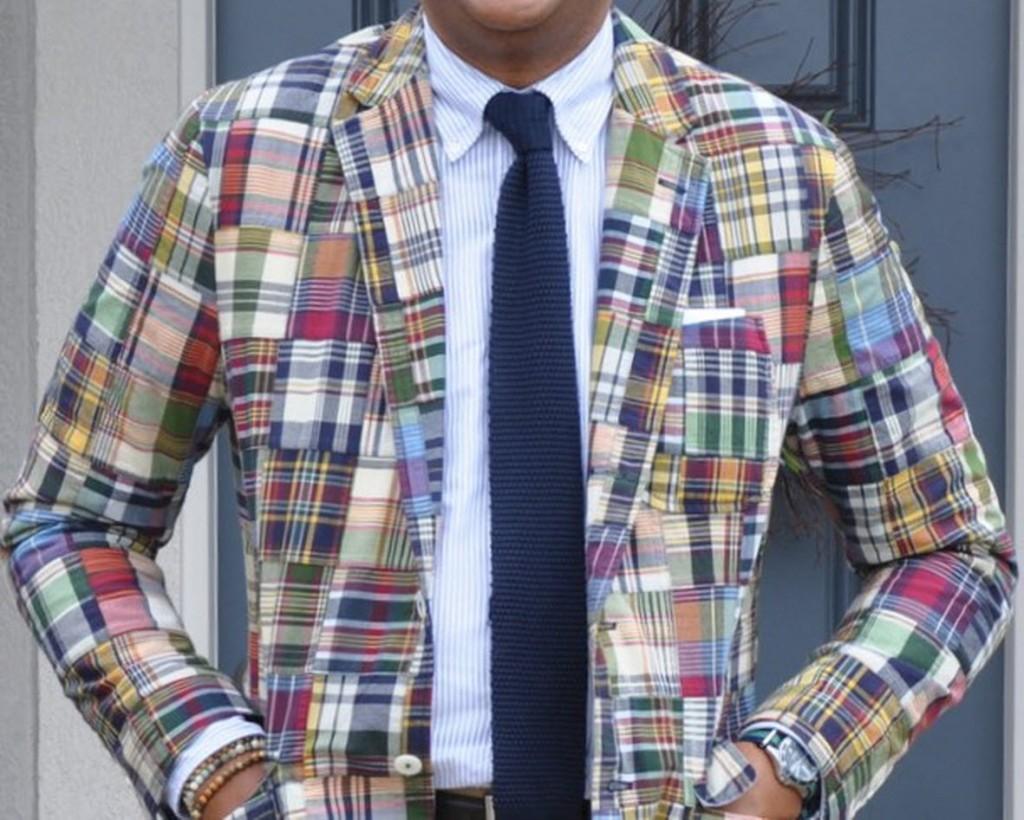пример пиджак рубашка в полоску вязаный галстук