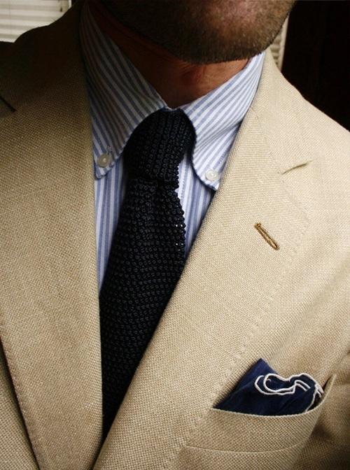 баттон даун и вязаный галстук