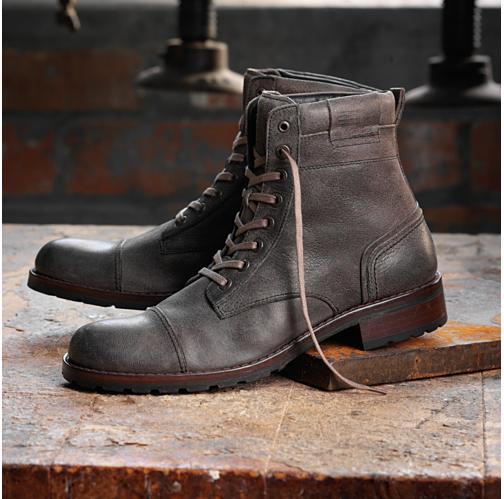рабочие черные ботинки