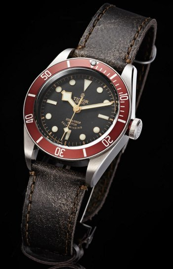 tudor black bay leather