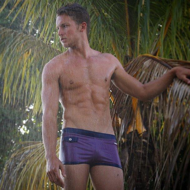 Короткие мужские плавательные шорты