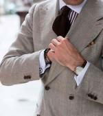 Количество пуговиц на манжете пиджака
