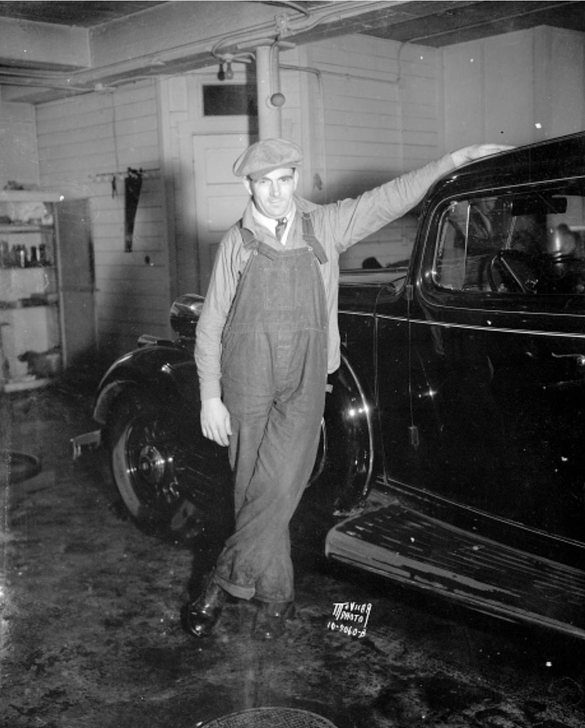 Шофер губернатора Ла Фоллета, Стив Чида, США, Мэдисон, Висконсин, 1935 г.